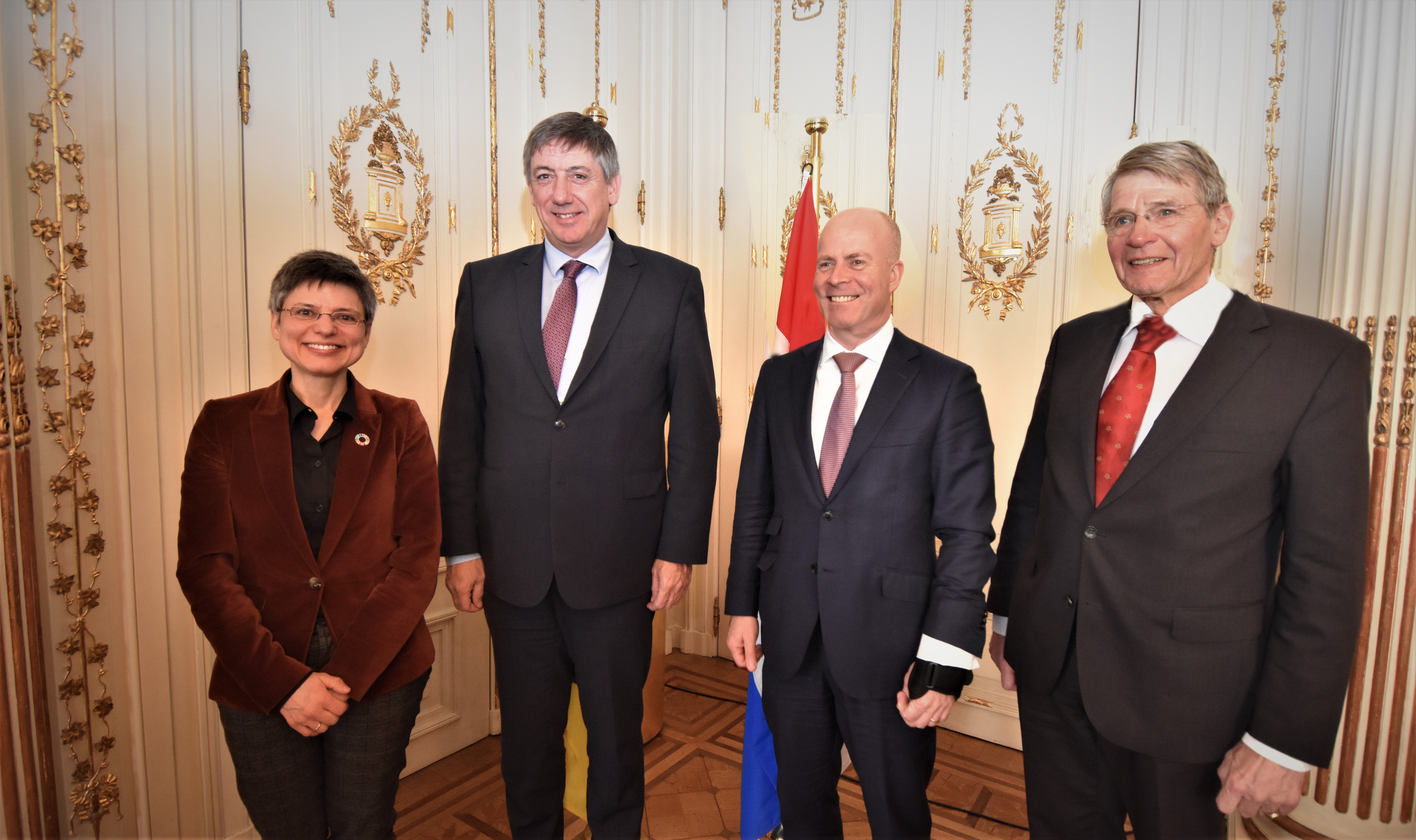 Antwerp governor Berx, minister-president Jambon, minister Knops and  vice-president Raad van State Hein Donner